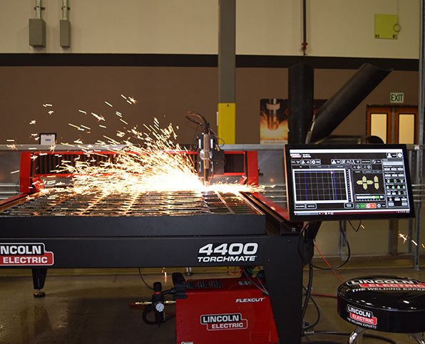 torchmate plasma cutting system by lincoln electric cutting solutions rh lincolnelectriccutting eu